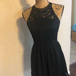 Dresses & Skirts - Black lace